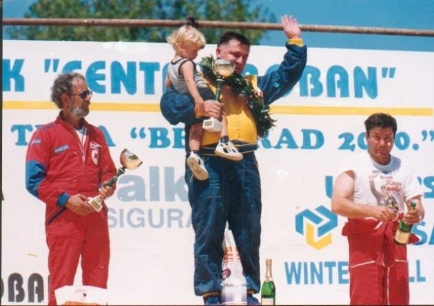 CENI KONKURENCIJU Simić sa sinom na pobedničkom podijumu