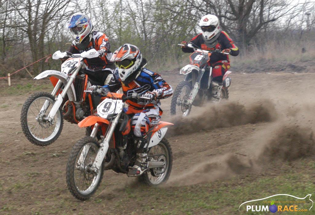 ŽESTOKO SA STARTA Viktor Ivanović (98), Andrija Ivanović (9) i Noel Kovač (6)