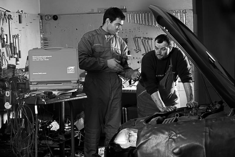 SAVREMENI I STAROMODNI PRISTUP Serviser i mehaničar