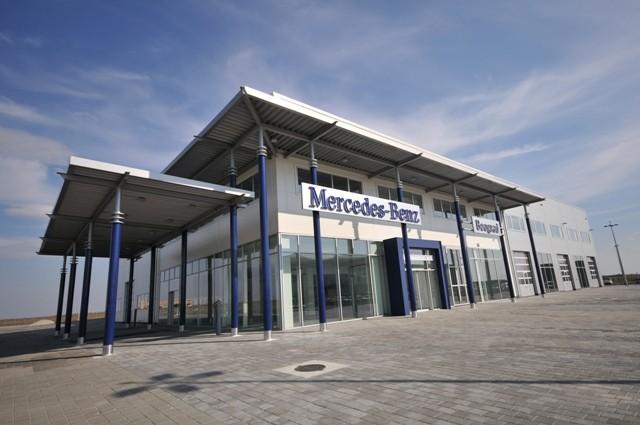 SVE NA JEDNOM MESTU U KRNJEŠEVCIMA Najmoderniji Centar komercijalnih vozila Mercedes-Benz u ovom delu Evrope