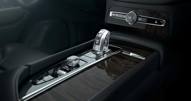 Volvo XC90 new_146945_1_5