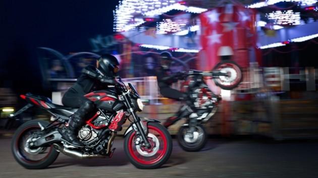 2015-Yamaha-MT07MC-EU-Matt-Grey-Action-002