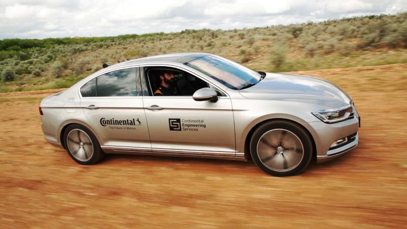 Reifentests mit selbstfahrendem Testfahrzeug