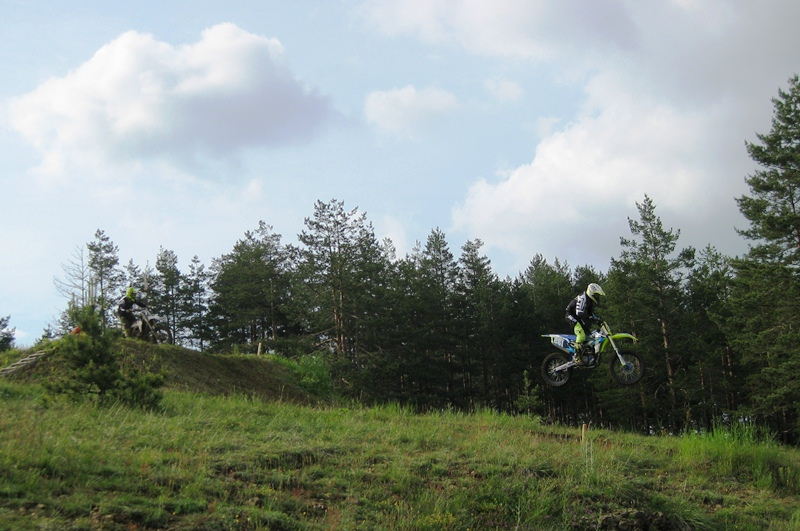 II trka, prvi skok_Vukašin Jablanović i Nenad Petrović MX 2