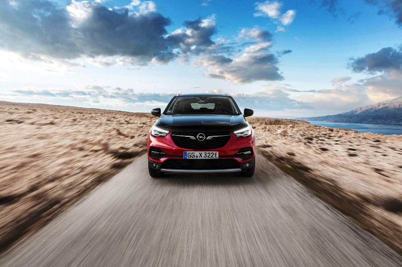 Opel-Grandland-X-Hybrid4-506688_0