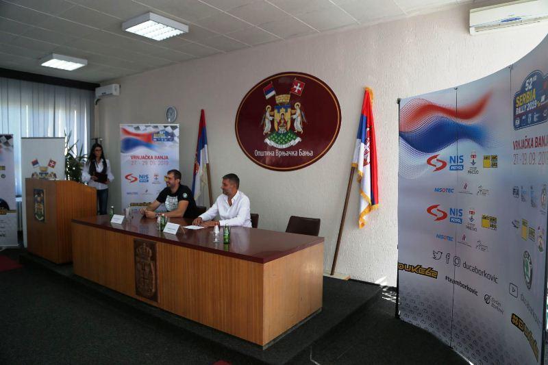 Dušan Borković i Staniša Lazarac na konferenciji u Vrnjačkoj banji povodom 52. Srbija relija
