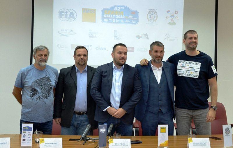 Momčilo Milojković, Dane Stanojčić, Dejan Stojić, Staniša Lazarac i Dušan Borković..