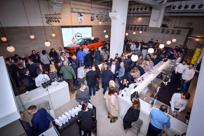 Opelov mali bestseler sinoć svečano predstavljen