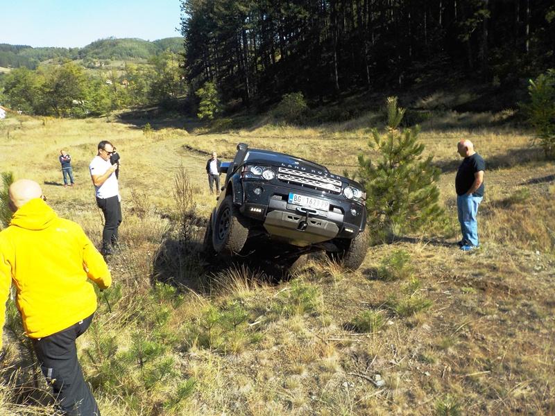 Moćni lend rover posade Tomašević - Mrdak