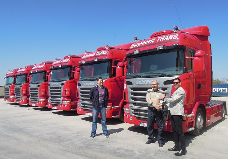 Sa uručenja ključeva prvih Euro 6 Scania u Srbiji: s leva Marko i Boro Marjanović, Michel Mrđen